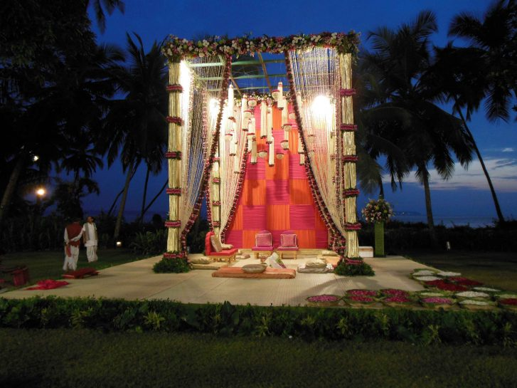 Chhajer Floral Wedding stage decoration – Spree Designs
